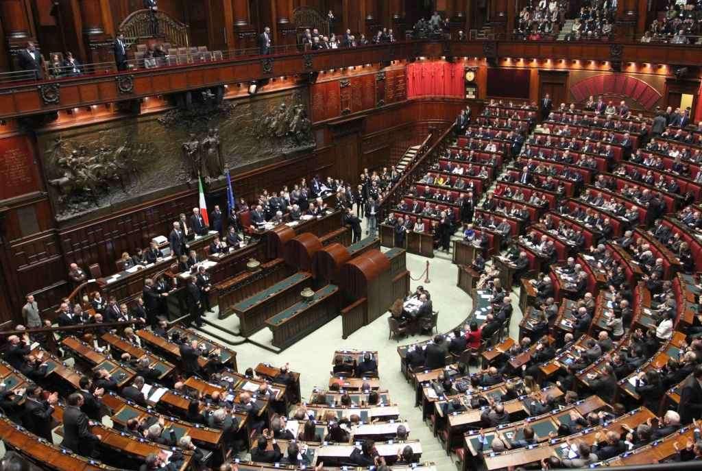 Assunzioni alla camera dei deputati le figure ricercate for Ieri alla camera dei deputati