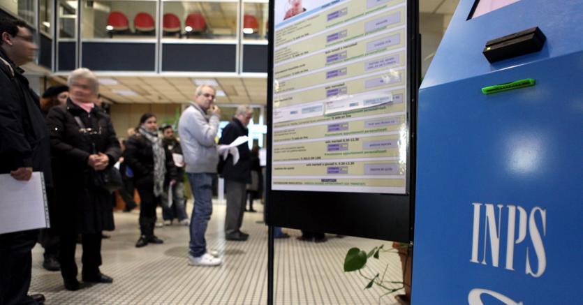 Pensioni, piano per i giovani: assegno di 650 euro