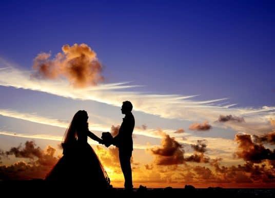 Licenziamento per matrimonio: il divieto vale solo per le donne