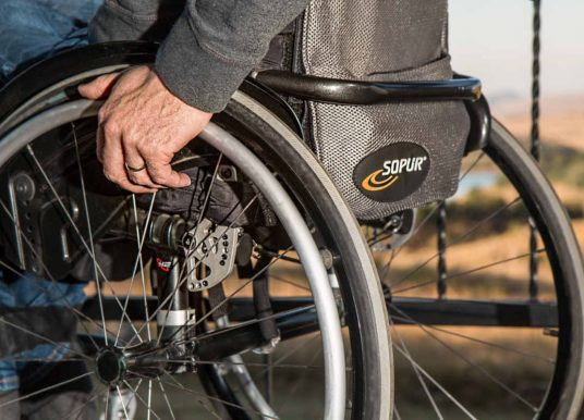 Pensione di invalidità sospesa per assenza a visita di revisione: chiarimenti INPS
