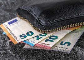 Operazioni in contanti con turisti stranieri: scadenza comunicazione all'AdE
