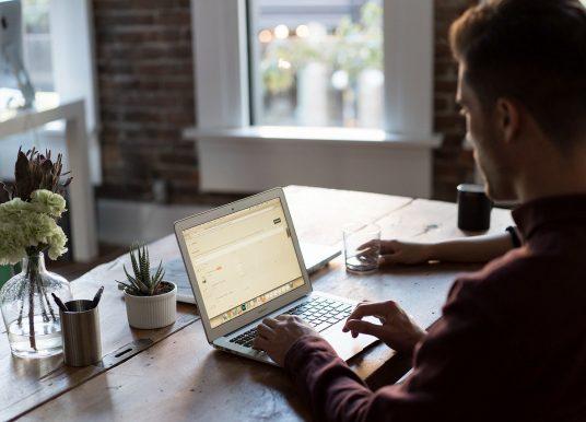 Smart working: lavorare da casa non fa risparmiare. Ecco perchè