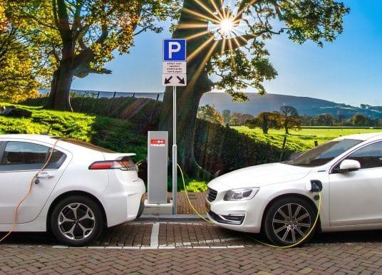 Colonnine di ricarica auto elettriche: come funziona la detrazione fiscale