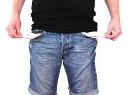 Sostegni, aiuti per le famiglie: fino a 800 euro per divorziati e separati