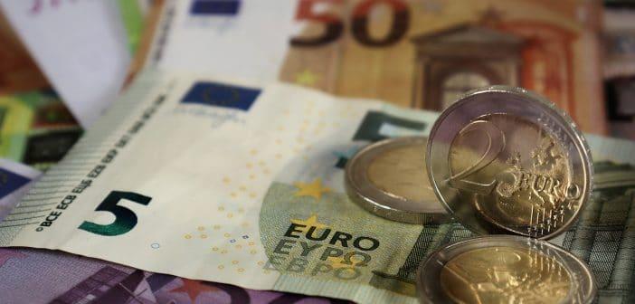 Salario minimo orario a 9 euro